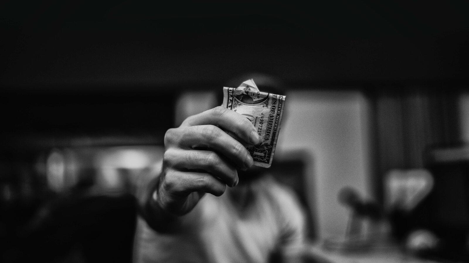как заработать первые деньги