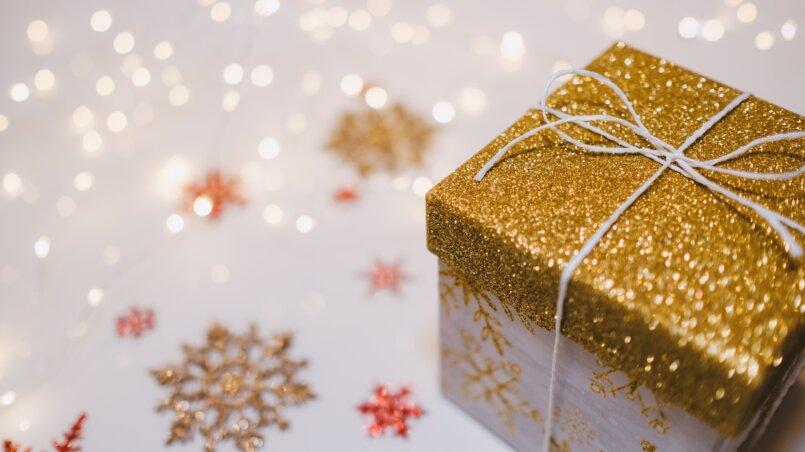 Как заработать на новый год: на новогодних праздниках + ТОП бизнес идей
