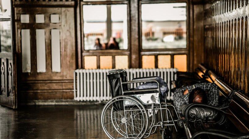 Как заработать инвалиду: на дому + в интернете + идеи + способы